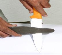 روش تیز کردن چاقو اشپزخانه